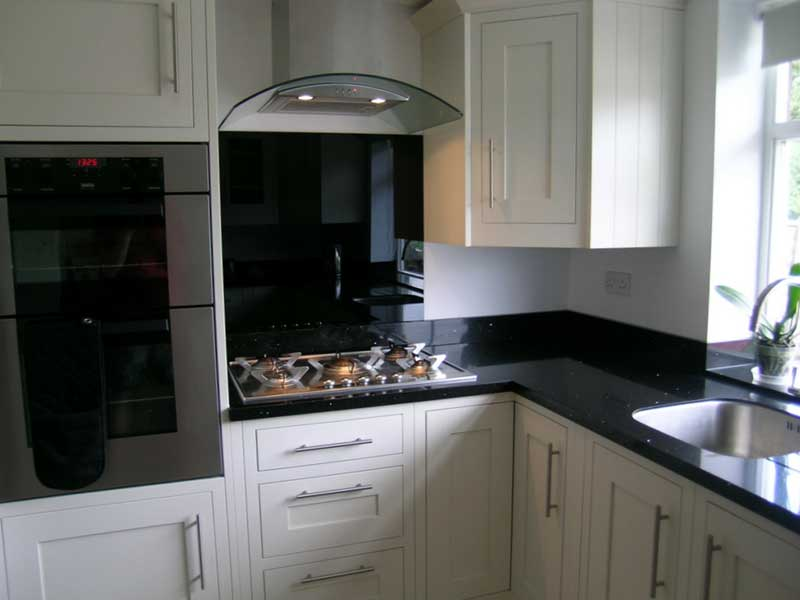Kitchen splash backs brighton east west sussex for Black and white kitchens with a splash of colour